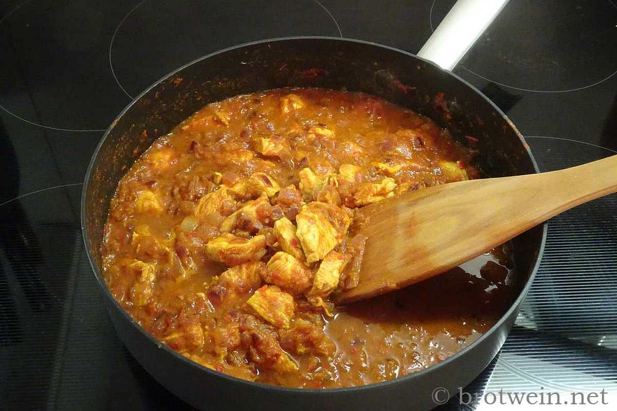 Rotes Hühnercurry - pikantes indisches Curry
