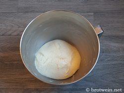 Neujahrsbrezel - Rezept mit Hefeteig selber backen