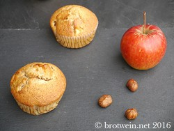 Ostermontag: Apfel-Haselnuss-Muffins